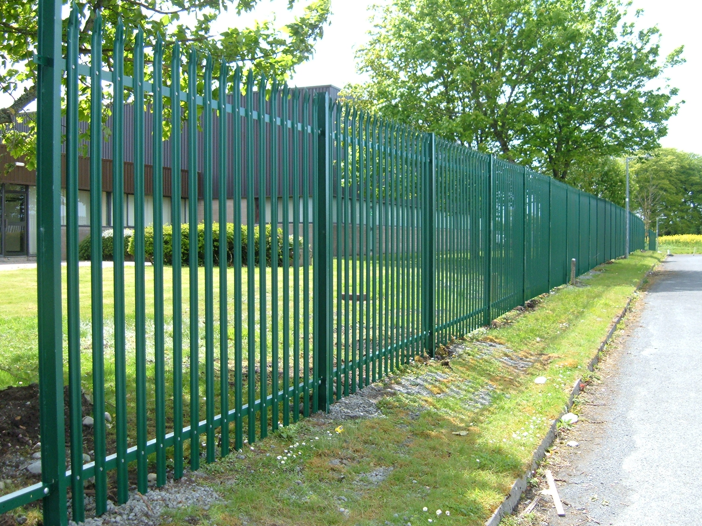 Different types of security fencing available in the market